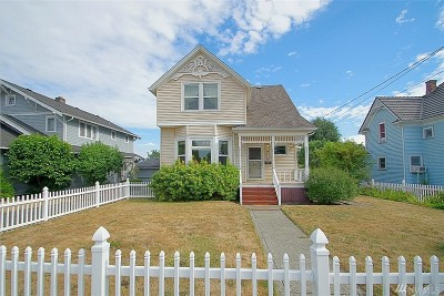 Enumclaw Single Family Home For Sale: 1741 Marion St