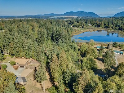 Maple Valley Single Family Home For Sale: 19230 Lake Francis Rd SE