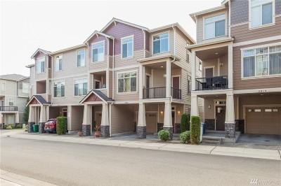Renton Condo/Townhouse For Sale: 3903 NE 3rd Place