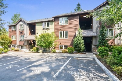 Redmond Condo/Townhouse For Sale: 15155 NE 82nd St #103