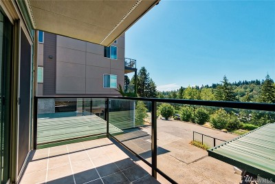 Mercer Island Condo/Townhouse For Sale: 3200 81st Place SE #C201