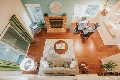 Redmond Condo/Townhouse For Sale: 14605 NE 81st St #D-19