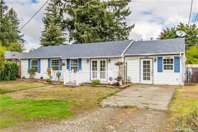 Lakewood Single Family Home For Sale: 6813 Sacramento St SW