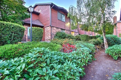 Bellevue Condo/Townhouse For Sale: 15617 NE 18th St #b-205