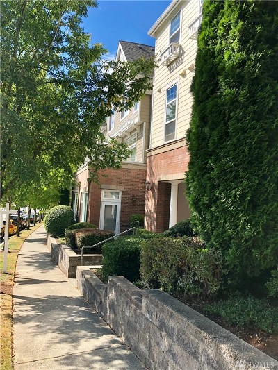 Issaquah Condo/Townhouse For Sale: 1475 Huckleberry Cir