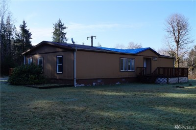 Elma Single Family Home For Sale: 750 W Chucklebrook