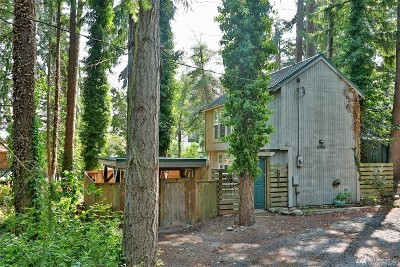 Clinton Single Family Home For Sale: 6893 Helena St