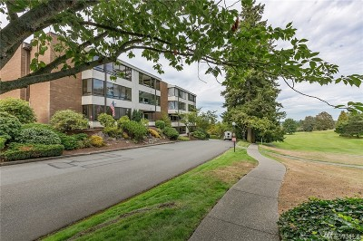 Seattle Condo/Townhouse For Sale: 10921 Glen Acres Dr S #A18
