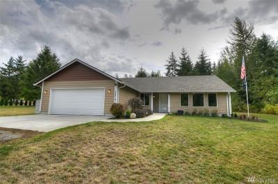 Yelm Single Family Home For Sale: 13519 Dobiash Lane SE