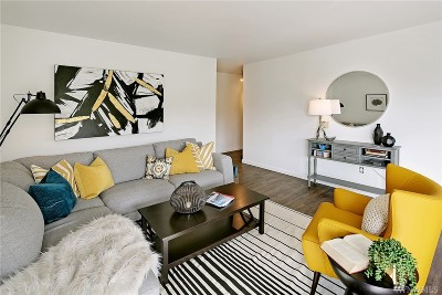 Seattle Condo/Townhouse Sold: 2550 Thorndyke Ave W #104