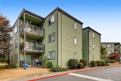 Everett Condo/Townhouse For Sale: 13011 E Gibson Rd #P328