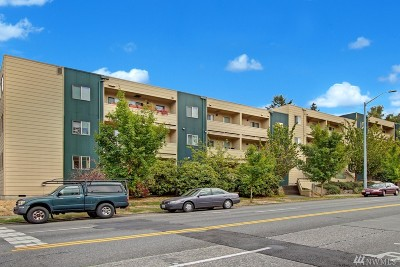 Seattle Condo/Townhouse For Sale: 4800 Fauntleroy Wy SW #204