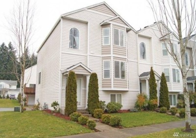 Olympia Condo/Townhouse For Sale: 8440 13th Ave SE