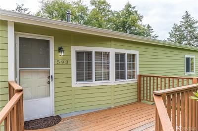 Oak Harbor Single Family Home Pending Inspection: 593 Salal St