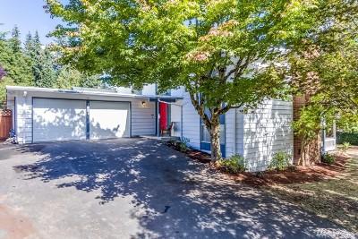 Kirkland Single Family Home For Sale: 7444 NE 120th St