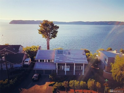 Mukilteo Single Family Home For Sale: 10214 Marine View Dr