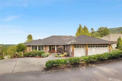 Issaquah Single Family Home For Sale: 1525 Hillside Dr SE