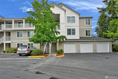 Bothell Condo/Townhouse For Sale: 2009 196th St SE #E303