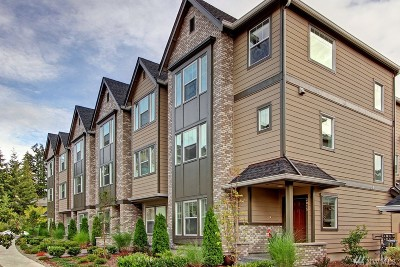 Everett Condo/Townhouse For Sale: 2015 113th Place SE