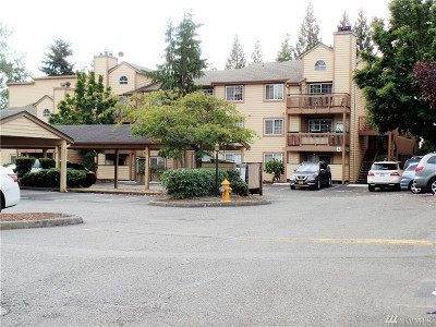 Des Moines Condo/Townhouse For Sale: 22810 30th Ave S #C-102