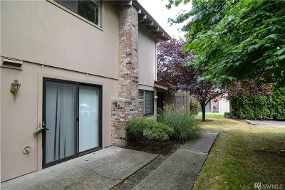 Steilacoom Condo/Townhouse For Sale: 2804 Garden Ct #C