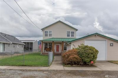 Buckley Single Family Home For Sale: 280 N Cascade St