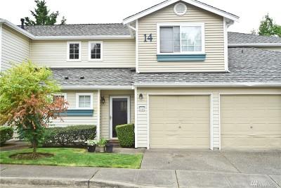 Tacoma Condo/Townhouse For Sale: 4802 Nassau Ave NE #142