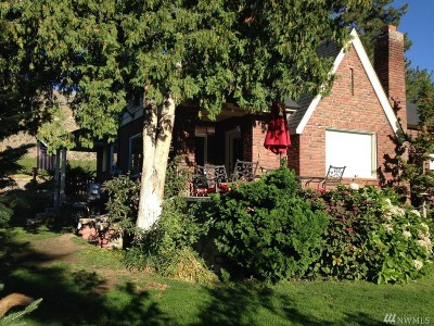 Chelan Falls Single Family Home For Sale: 348 5th St