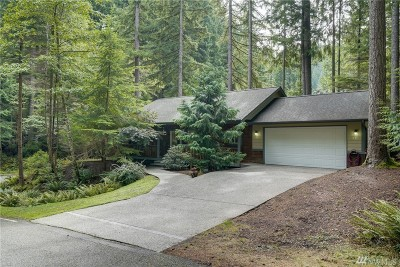 Bellingham Single Family Home For Sale: 34 Bramble Wy