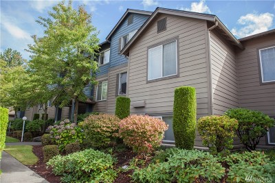 Kent Condo/Townhouse For Sale: 10825 SE 200th St #F303