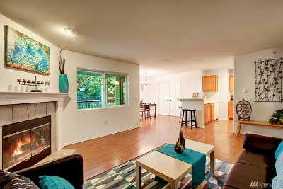 Issaquah Condo/Townhouse For Sale: 18501 SE Newport Wy #J240