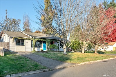 Bothell Single Family Home For Sale: 327 213th Place SW