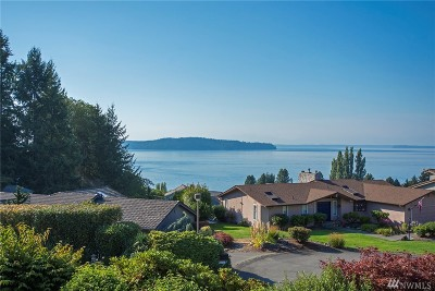 Steilacoom Condo/Townhouse For Sale: 105 Chinook Lane #C