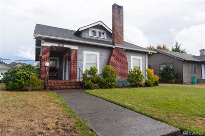 Single Family Home Sold: 212 N Oak St