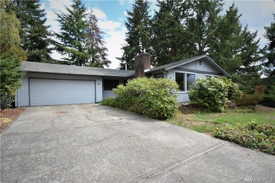 Steilacoom Single Family Home For Sale: 51 Silver Beach Dr
