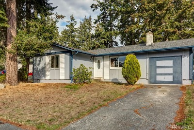 Oak Harbor Single Family Home For Sale: 450 NW 8th Ave