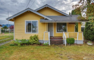 Enumclaw Single Family Home For Sale: 3335 Porter St