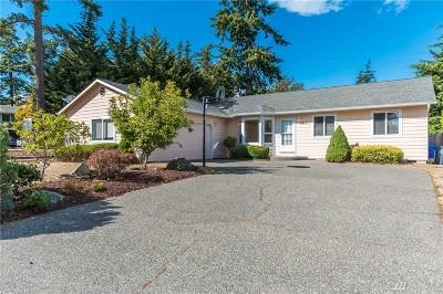 Oak Harbor Single Family Home For Sale: 988 SW 1st Ave