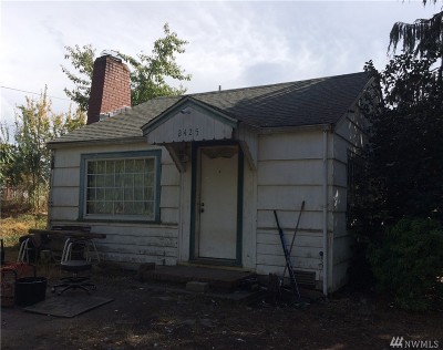 SeaTac Single Family Home For Sale: 2425 S 146th St