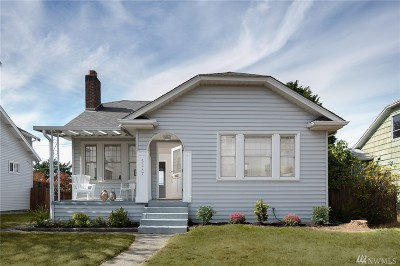 Seattle Single Family Home For Sale: 5237 36th Ave SW