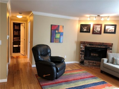 Bothell Condo/Townhouse For Sale: 10824 NE 147 Th Lane #K 103