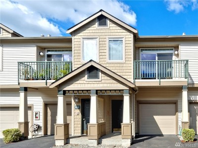 Issaquah Condo/Townhouse For Sale: 4464 248th Lane SE #4464