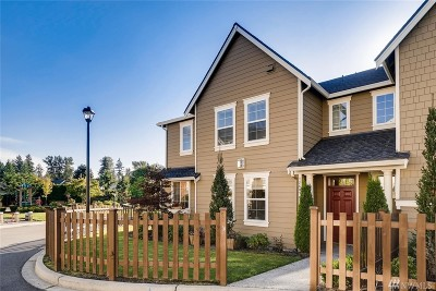 Redmond Condo/Townhouse For Sale: 12609 177th Ave NE #A