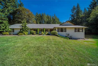 Stanwood Single Family Home For Sale: 15609 Marine Dr