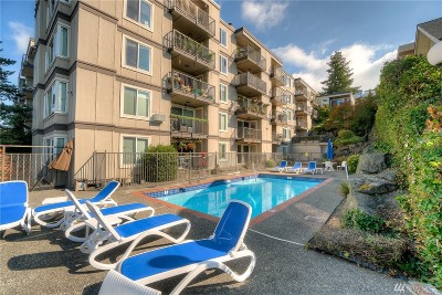 Seattle Condo/Townhouse For Sale: 2253 Gilman Dr W #107