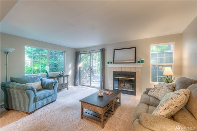 Bothell Condo/Townhouse For Sale: 15600 116th Ave NE #L1