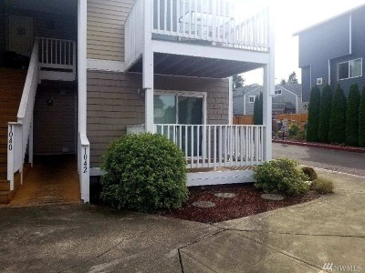 Burien Condo/Townhouse For Sale: 1042 130th St SW