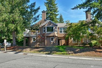 Issaquah Condo/Townhouse For Sale: 4084 220th Place SE #1038