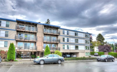 Edmonds Condo/Townhouse For Sale: 500 Elm Wy #20