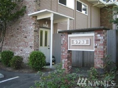 Bellevue Condo/Townhouse For Sale: 12235 SE 56th St #142